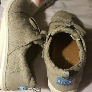 Tom's Grey woman's sneaker